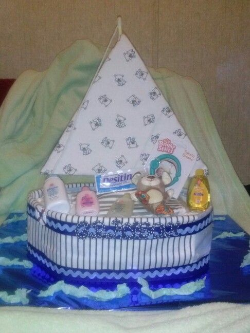 Sail boat diaper cake i made for a friends baby shower....so cute!!