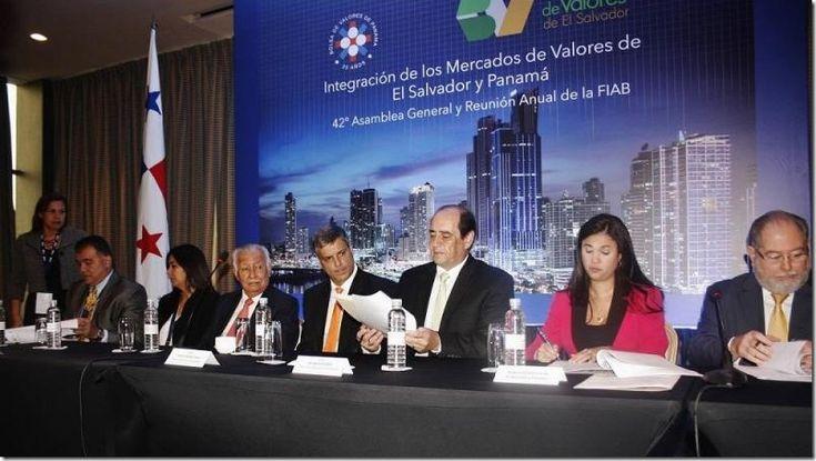 Panamá y El Salvador firmaron convenio de integración http://www.inmigrantesenpanama.com/2015/09/23/panama-y-el-salvador-firmaron-convenio-de-integracion/