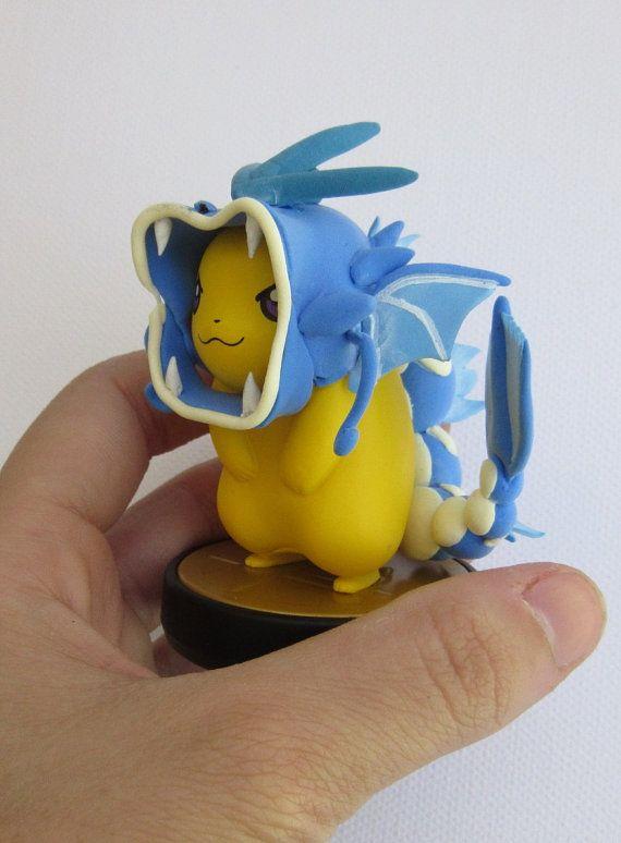 Un amiibo de pikachu habillé comme un Leviator ! Aucune donnée nest en lui, comme il a été personnalisé en sortie de boîte, et la puce dans lamiibo