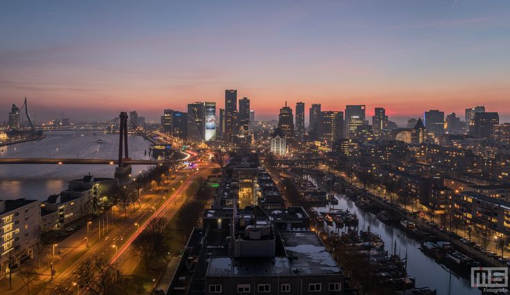 De Havenstad Rotterdam editie van Rotterdam by night.