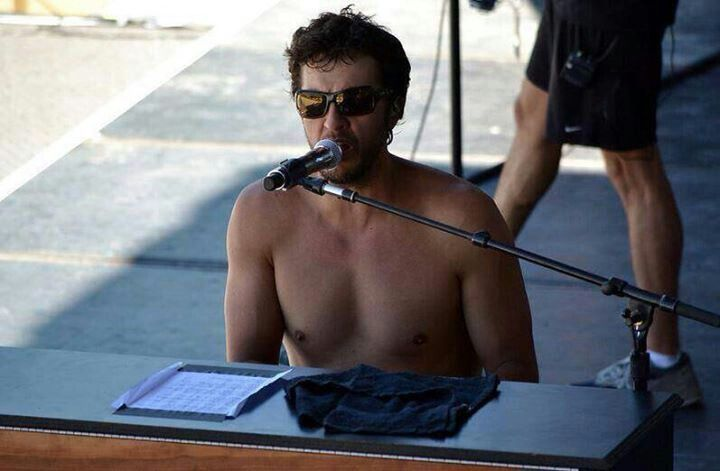 Luke Bryan- shirtless and a piano!! perfect site!