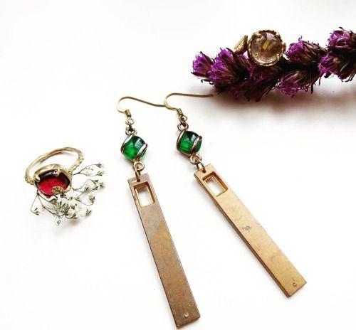 New earrings coming soon! www.PigeonDynamite.etsy.com 新作ピアスのジュエリーも近日発売!#pigeondynamite #jewelry #newjewelry #etsy #handmadejewelry #madeinnyc #oneofakind #earrings #rings #upcycledjewelry #upcycled #vintageearrings #giftforher #valentinesdayjewelry #アクセサリー#ハンドメイドジュエリー#ジュエリー#ピアス #一点もの#ヴィンテージ#バレンタイン#ビンテージ#リング#指輪#新作#ご褒美ジュエリー#クリーマ#贈り物#ファインジュエリー