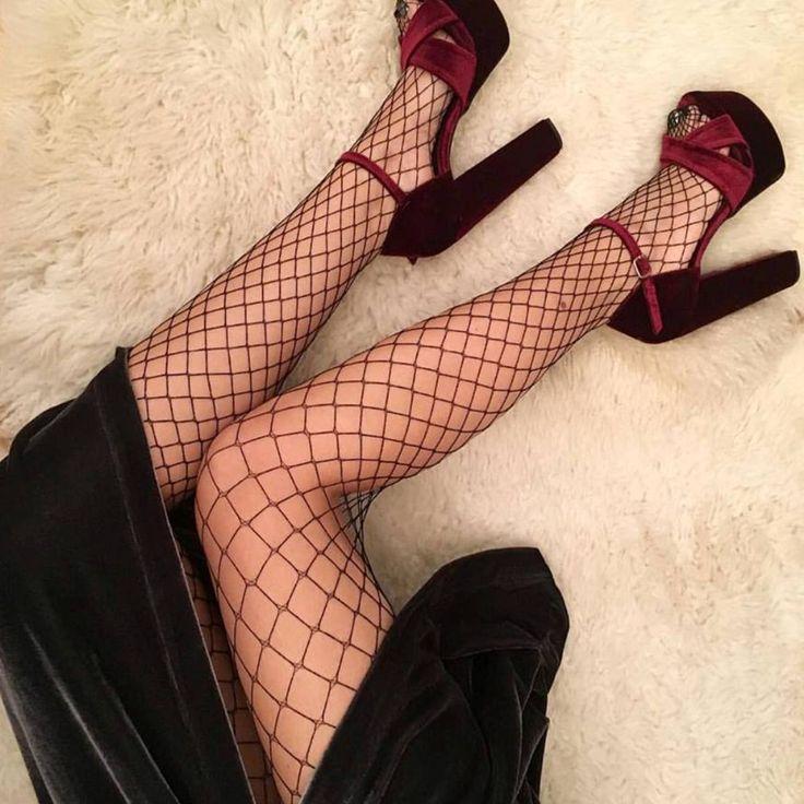 Legs in the net (via: @stellameligan_fashionblogger) #SanteGirls #SanteSALE SHOP #SALE in stores & online (SKU-94401): www.santeshoes.com