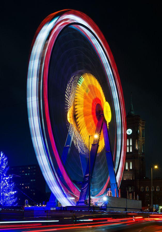 Ferris wheel in Berlin | Photo by Sergey Kohl