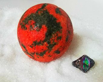 Vampire Blood Bath Bomb with Surprise Ring by ModestMess on Etsy Vampire Gifts, Bath bombs