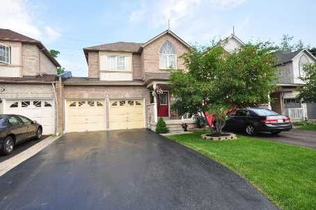 Hosting a Neighbourhood Get Together aka Open House this Sunday 2-4 pm!  Beautiful home, close to Brampton/Mississauga border. 1682 Casablanca Circ MLS®-W2676137 for Sale | RE/MAX