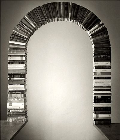 With photoshop, the entry to the land beyond is made possible. Chema Madoz - C -