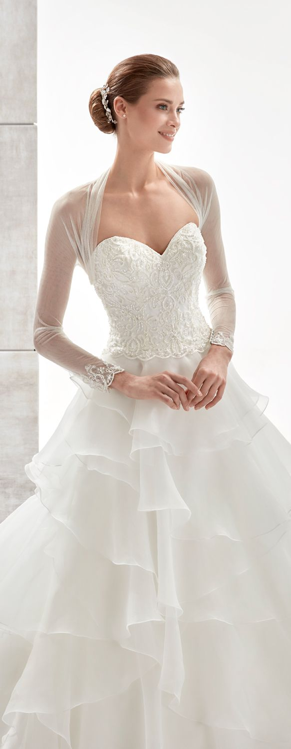Aurora ivory princess line dress, in organza with beading. Aurora 2017 Collection