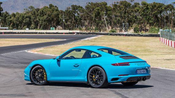 Суперкар Porsche 911 GTS 2017 / Порше 911 GTS 2017