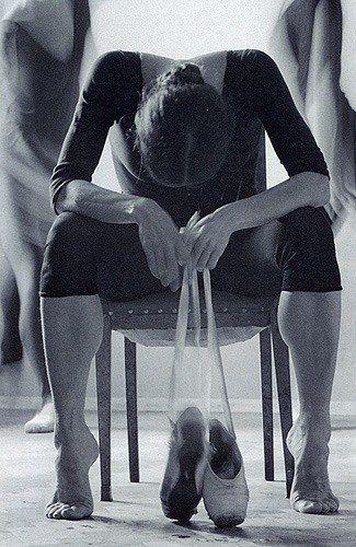 """""""Detrás de las escenas del ballet""""   Foto de Vladimir Vyatkina   III premio de World Press Photo - 1984."""