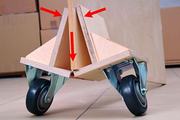 Das Material ist da, der Schrank kann gebaut werden. Doch wie gelangt die große Platte jetzt zur Kreissäge?