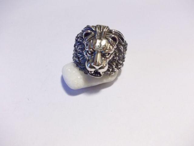 Anello da uomo d'argento 925 con una testa di Leone.