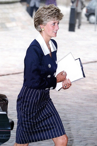 .great pic of diana.. grandmother to george..she would have loved this little fellow..