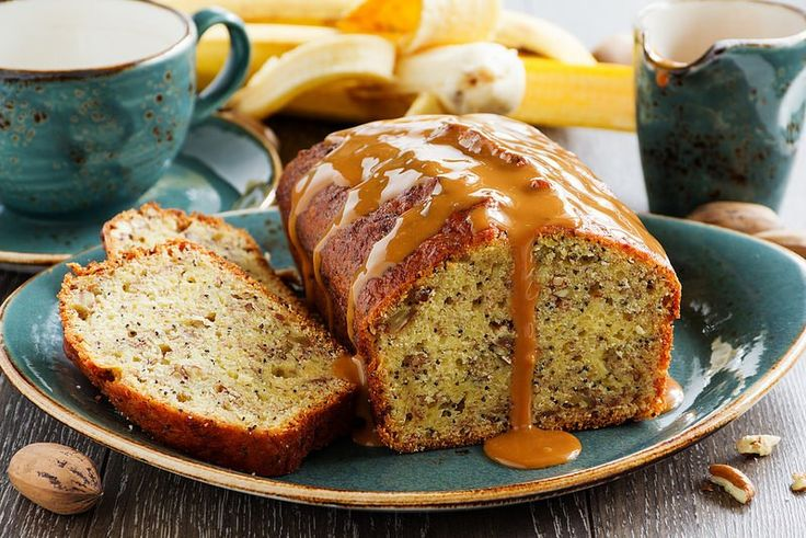 BANANA CAKE (BREAD) WITH PECANS AND CARAMEL SAUCE