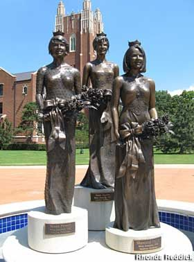 Oklahoma City, Oklahoma: Miss America statues - A trio of life-size bronze statues on pedestals honors Oklahoma City University's three Miss America winners.