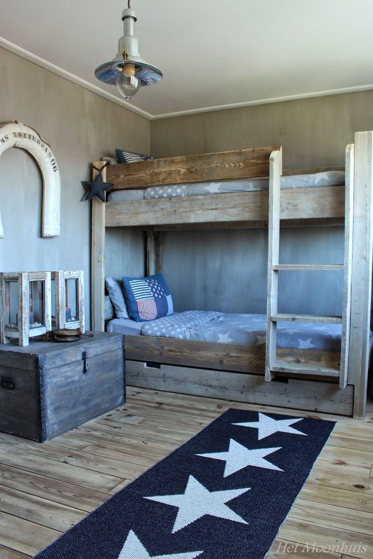 25 beste idee n over stapelbed op pinterest kinderstapelbed kussen kamer en logeerbed - Jongens kamer decoratie ideeen ...