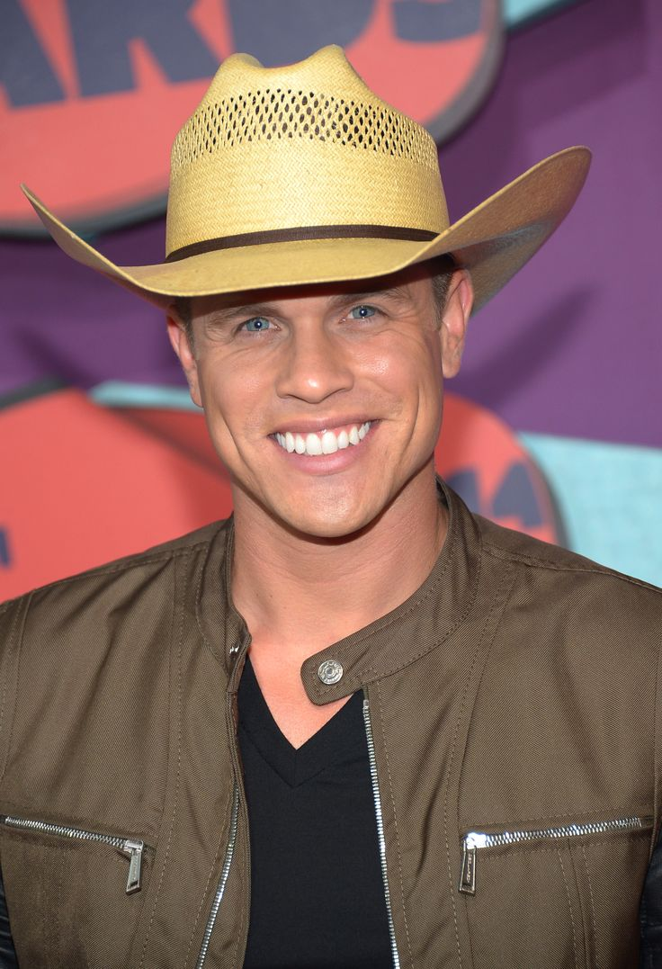 best ideas about dustin lynch hot cowboys nashville tn dustin lynch attends the 2014 cmt music awards at the bridgestone arena on 2014 in nashville tennessee photo by michael