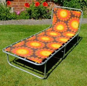 best 25 folding sun loungers ideas on pinterest pallet. Black Bedroom Furniture Sets. Home Design Ideas