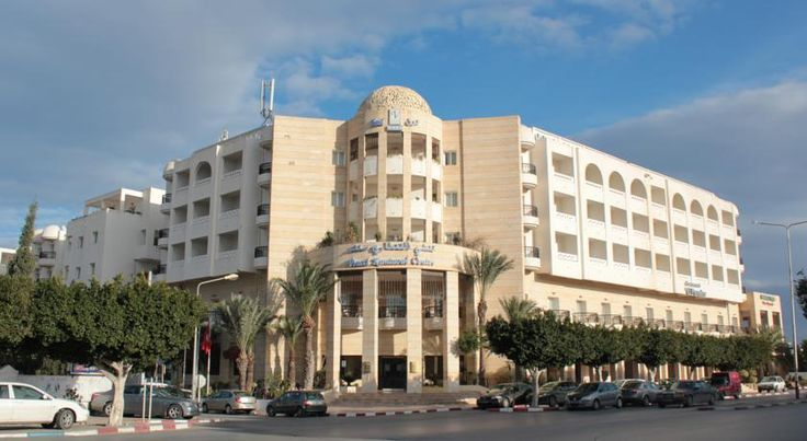Отель Vincci El Kantaoui Center, #Тунис Суперпредложение: Выгодное сочетание цена/качество на выбранные вами даты.  Цена от 362 $.  Дата вылета ✈: 20.11.16, на 7 ночей.  Номер: Standard Room.  Питание: завтрак и ужин. Цена указана за 1-го при 2-х местном размещении. В стоимость входит: авиаперелет, проживание в отеле, питание All, групповой трансфер а/п-отель-а/п, мед.страховка. * Можно пересчитать стоимость отеля на любую дату вылета и на любое количество дней