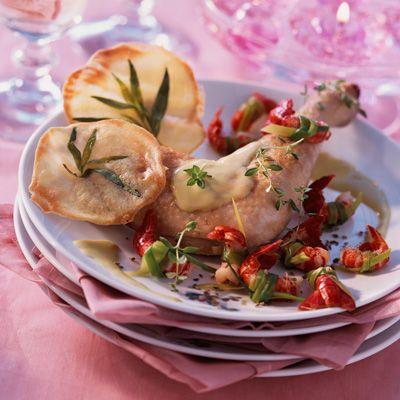 Découvrez la recette de la poularde aux écrevisses et au champagne