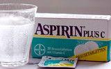 Mit Aspirin Deoflecken und Blutflecken entfernen!