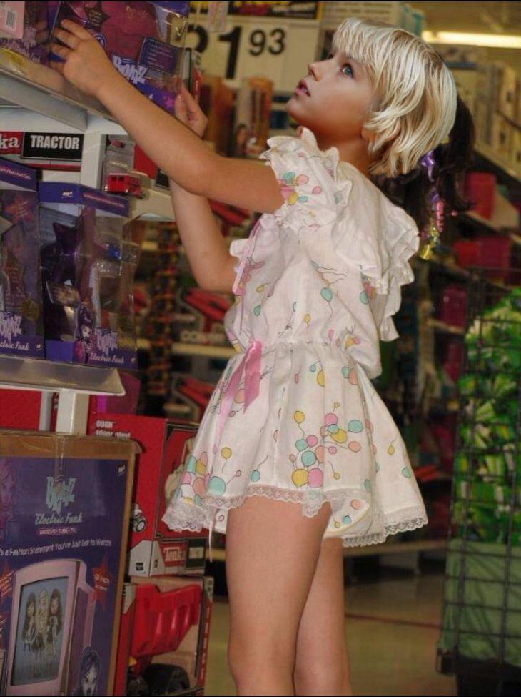 Girl humiliates boy toy