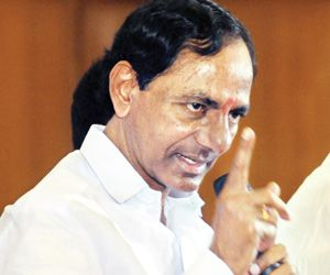 Chandrababu a copy cat , says KCR - read complete News click here.... http://www.thehansindia.com/posts/index/2015-02-23/Chandrababu-a-copy-cat--says-KCR-133175