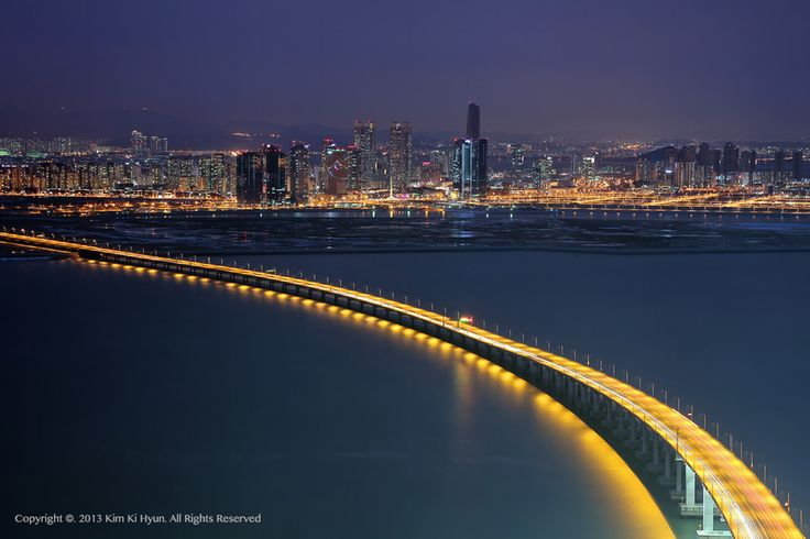 인천대교와 송도, Incheon Bridge & Songdo Island by Alex KIM, via 500px.