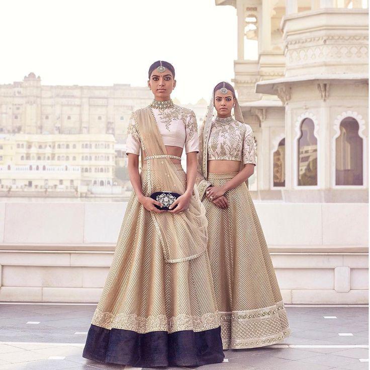 #Sabyasachi #SpringCouture2017 #TheUdaipurCollection #SummerBrides #SummerLehengas #KishandasForSabyasachi @kishandasjewellery #DestinationWeddings #HeritageWeddings #HandCraftedInIndia @bridesofsabyasachi Photograph by @tarun_khiwal #TheWorldOfSabyasachi @tajlakepalace
