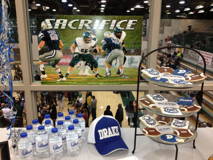 table decorations for after signing drakefootball