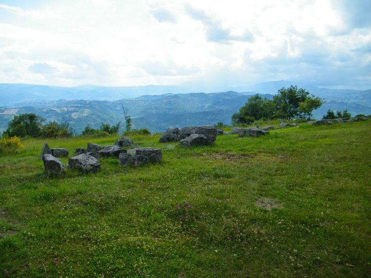 Queste pagine: Risalendo tra le montagne dell'alto vastese: Schia...