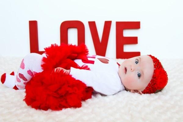 Megan Taylor Photography....valentine pic idea!