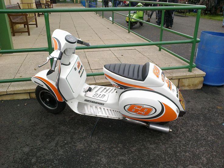 Vespa, street racer style!