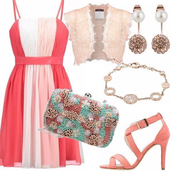 Outfit dai toni tenui adatto ad un matrimonio di giorno. Vestito in varie tonalità di rosa con fascia in vita, abbinato ad un coprispalle in pizzo e a dei sandali incrociati. Clutch gioiello, pezzo forte dell'outfit, e per finire un bracciale e degli orecchini eleganti.