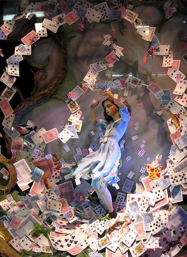 30 winning retail window displays: Alice in Wonderland Christmas Windows Shop at Fortnum and Mason