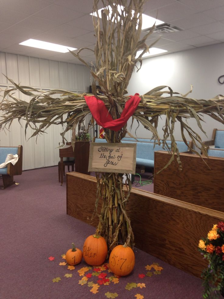 Here's and idea to decorate for fall using fodder shocks.. I was inspired  by God one day to use fodder shocks to make a cross for our ladies fall meeting at our church