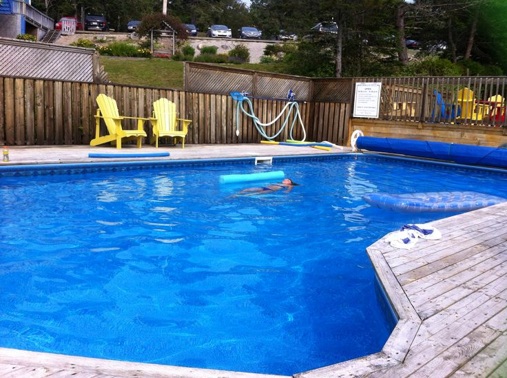 Cooling off in Rosewoods pool.