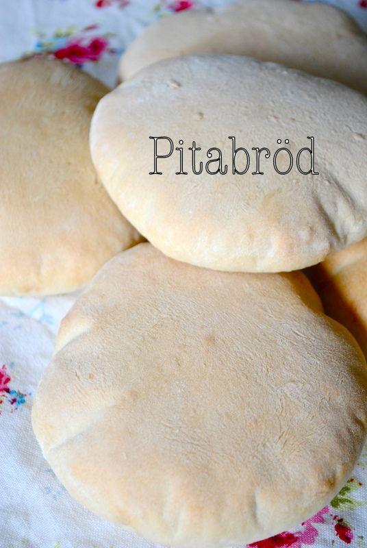 Idag blev det kebab + sojastrimlor i pitabröd . Jag tycker att de pitabröden som finns i mataffären är under all kritik. Lång hållbarhet tyd...