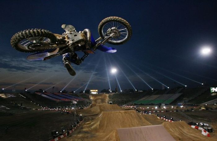 Red Bull Motorcycle 'X Fighters' Go Flying! SPpinner