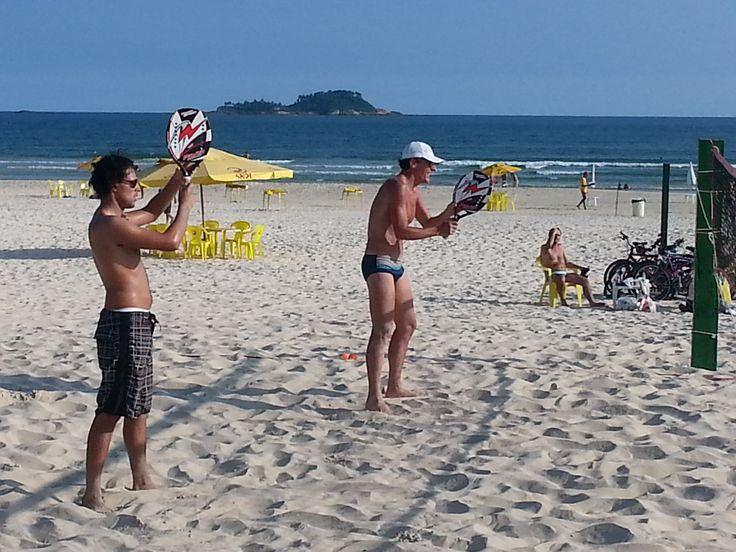 5 atividades físicas para fazer na praia