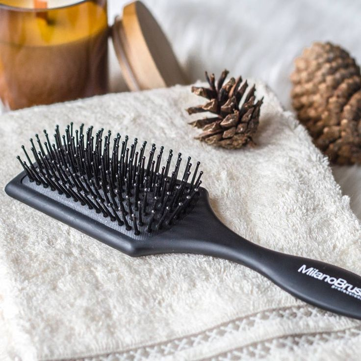 The best shower buddy you could ever find! MilanoBrush Compact Paddle brush will help while distributing hair care products in the shower with no damage to the hair 😍🖤 #haircare #hairstylist #hairbrush #brush #beauty #hair #flatlay #photography #instagood #f4f #l4l #instadaily #beautyguru #winter #shower #bath #milanobrush
