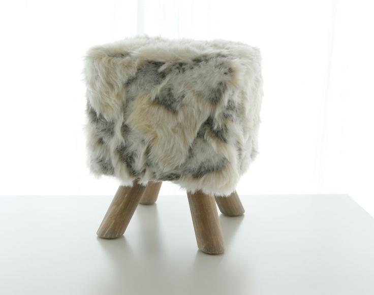 fausse fourrure loup becquet c h a i r s t o o l b e n c h. Black Bedroom Furniture Sets. Home Design Ideas