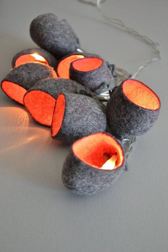 Cozy Naturelle Veilleuse Soft Lampe - Cadeau Decoration    Guirlande lumineuse de 10 cocons en laine naturelle de mouton feutrée. Pour la décoration