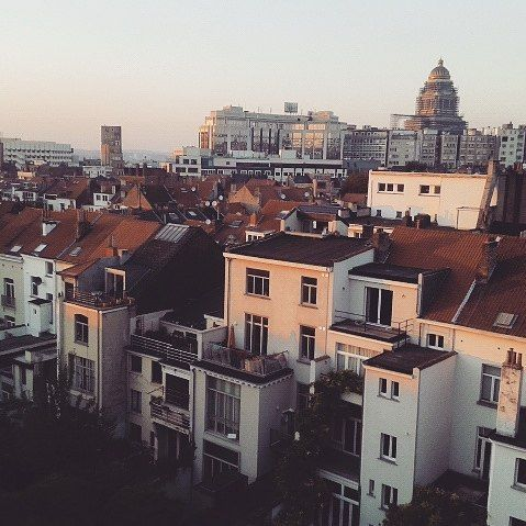 #brussels #bruxellesmabelle #palaisdejustice #sunset #love #bigcitylife #hugecity #picoftheday #amazingview #sky #instalike #brüssel #feelslikehome #greatday #feeling #sun #autumn by liesa_24