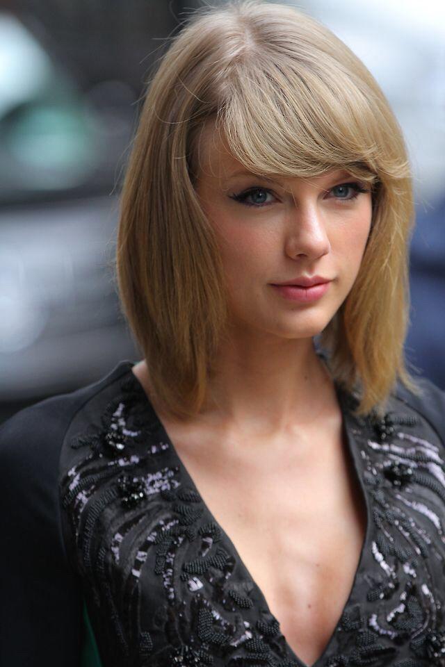Taylor Swift short bob with bangs