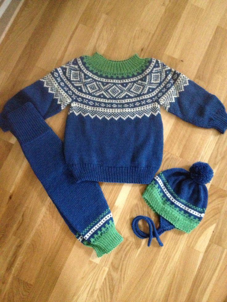 Marius genser, bukse og lue - 1 års gave til Håkon, strikket i Dale Falk