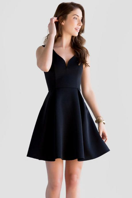 Meet your new favorite LBD! The Rosita Sweetheart Dress is made up of a black scuba material that creates the most flattering fit & flare silhouette! Wear this on a date night with a pair of heels & sparkling jewelry.