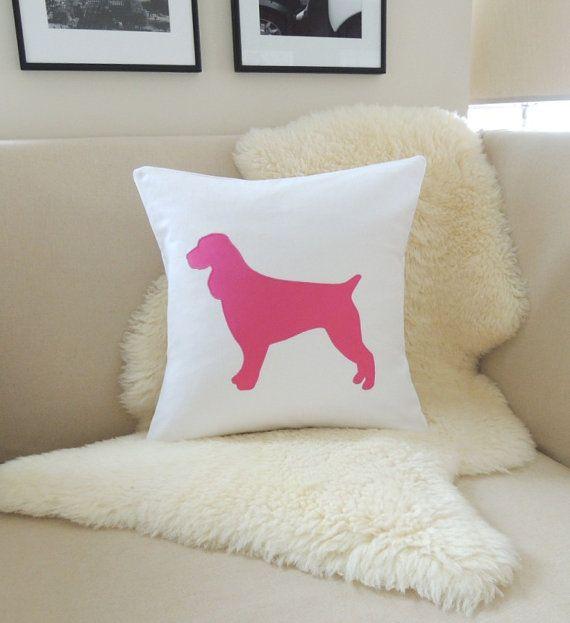Springer Spaniel Kissenbezug White & Bright Pink von VixenGoods, 59,00 $   – Family rooms