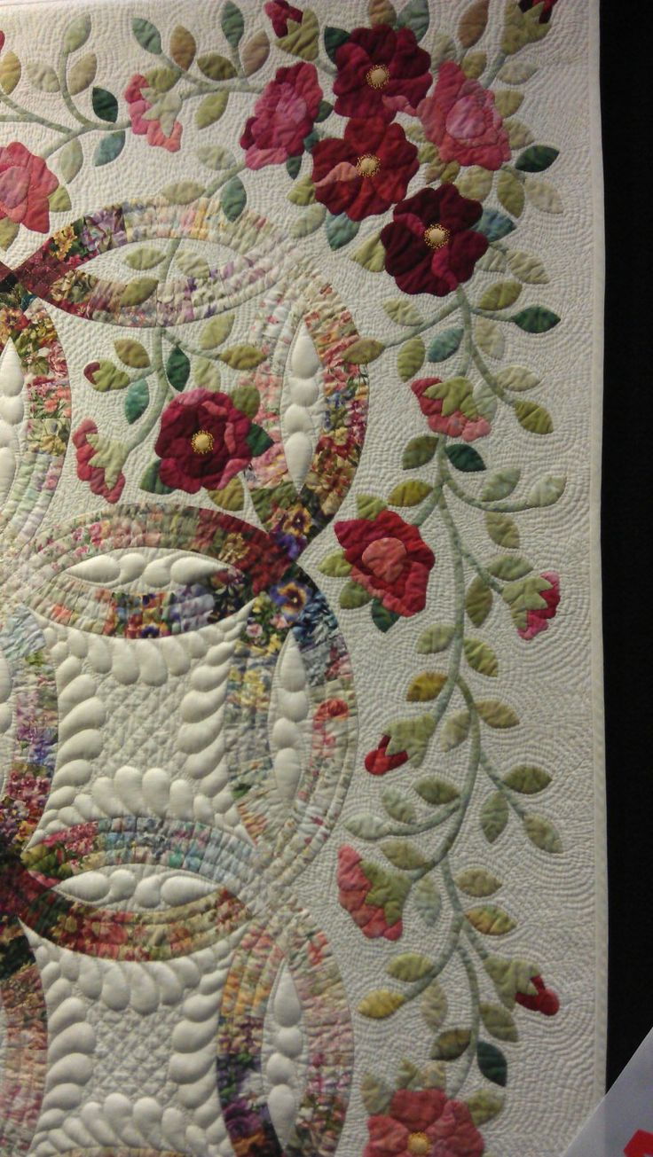 Wedding Ring Quilt Rings And Roses By Janet Treen Close Up QuiltWest 2014