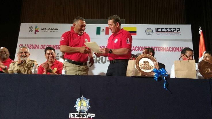 Dicha capacitación, fue impartida por el equipo de instructores especializados en el método de UFL (Uso de la Fuerza Letal) provenientes de la Policía Nacional del Perú, mismos que capacitaron ...